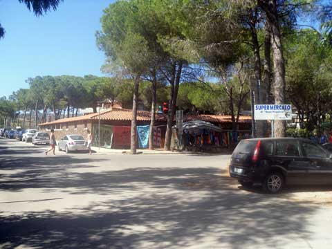 the piazza in cala liberotto