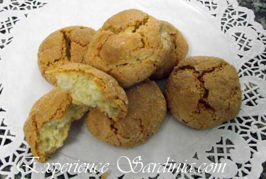 italian amaretto cookie