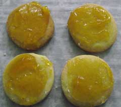 bases of the tialian biscuits with jam