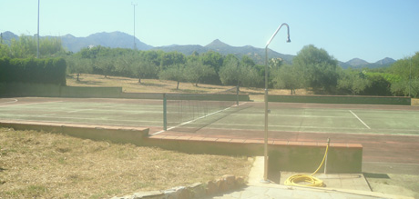 tennis courts at the sardinia residence