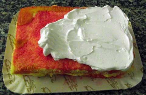 cream cake topping