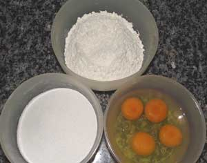 ingredients to make a fatless sponge