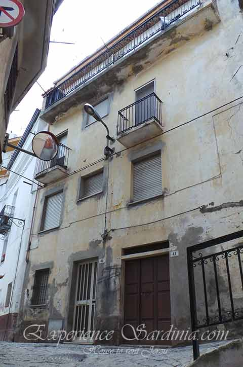 house to rent in jerzu sardinia italy